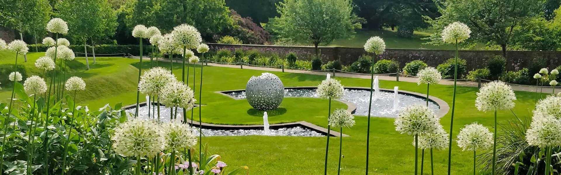 Walled garden at riverhill himalayan gardens